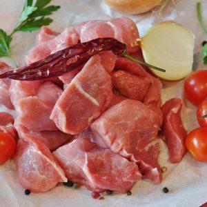 Gulasch von Schwein immer frisch in der Metzgerei Wurstglöckl in Regen